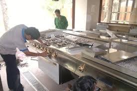 Cách làm sạch nhanh chóng các thiết bị bếp nhà hàng công nghiệp