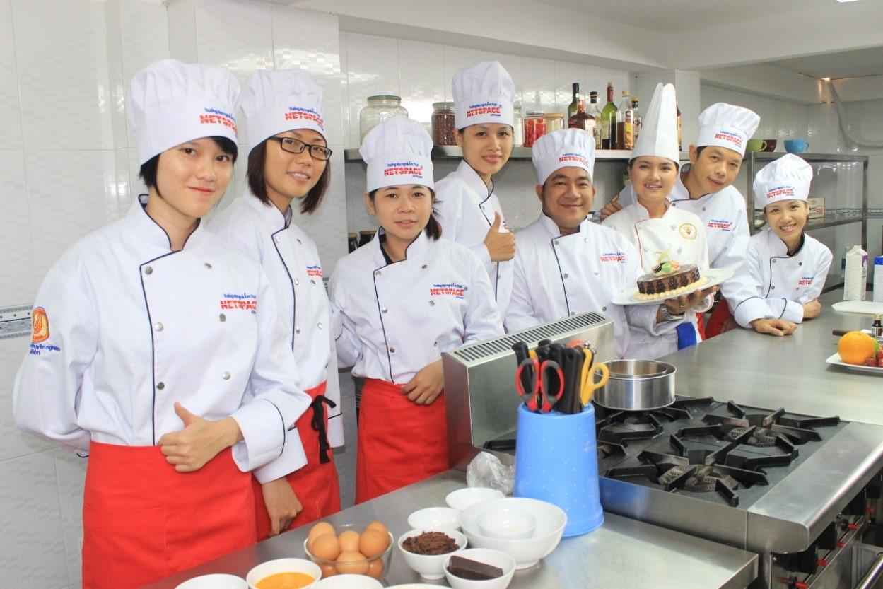 Nghề đầu bếp nhà hàng đang được nhiều bạn trẻ quan tâm