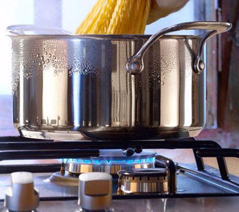 Hướng dẫn sử dụng và bảo quản bếp inox an toàn trong gia đình